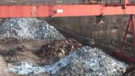 WS ZI Magnet lifting steel scraps at scrapyard / Bous, Saarland, Germany
