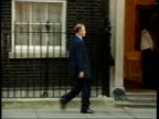 Main events/UK troops speculation ITN ENGLAND London Downing Street LMS Robin Cook MP along to no 10 as arriving for war cabinet meeting MS Geoff...
