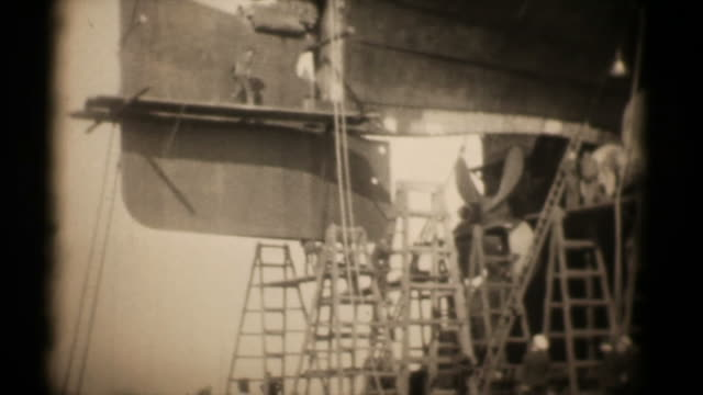 RMS Majestic in Dry Docks 16mm 1927 (HD1080)