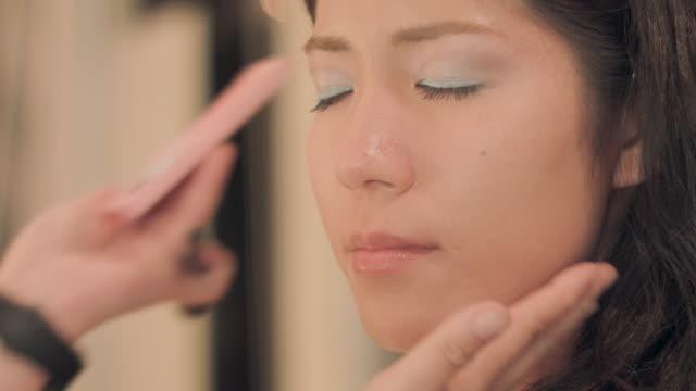 Make-up salon.blush.
