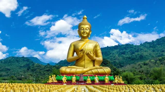 Buddista di Makha Bucha Memorial Park