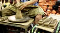 """Die clay pot auf """"potter's Rad"""