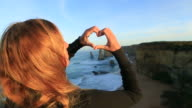 Macht Herzen Form Finger Frame zu den zwölf Aposteln, Australien