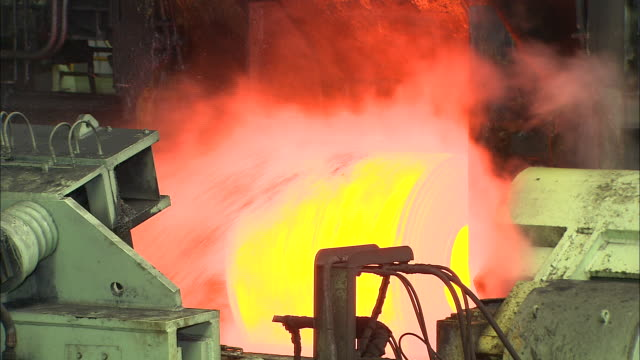 Making process steel in iron foundry plant