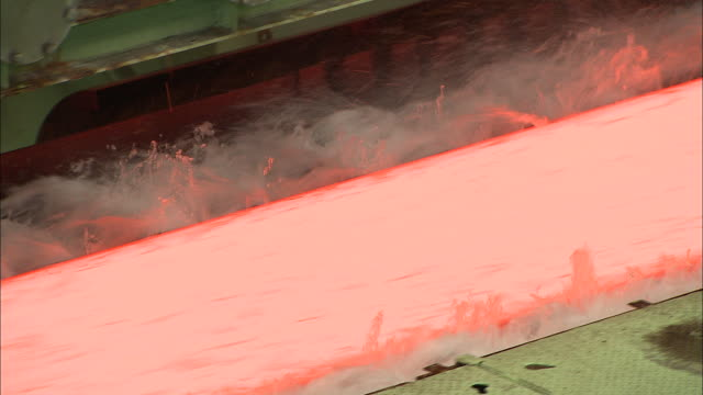 Making process steel, molten steel bar at end of production