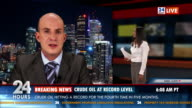 HD: Maschio Telecronista Reporting Live In TV le notizie