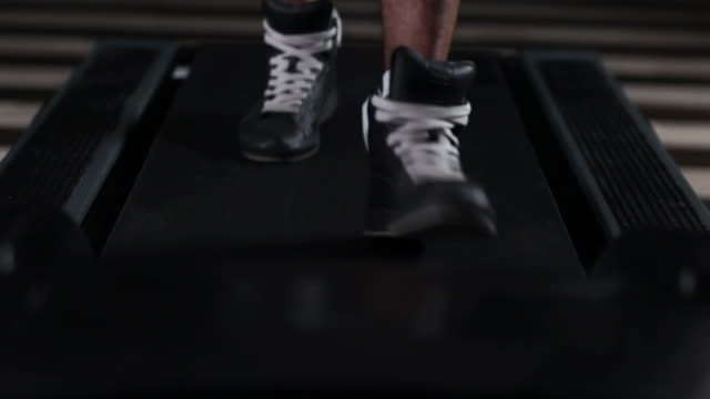 Male Sports Shoes