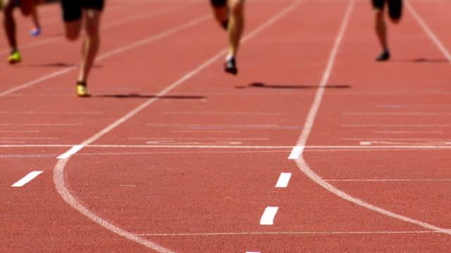 Maschio, gli sprinter al traguardo Rallentatore