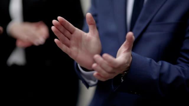 Mann Applaudieren