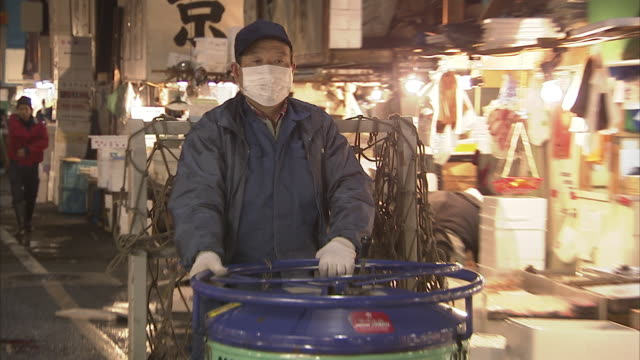 MS ZO PAN Man driving forklift truck, Tsukiji fish market, Tokyo, Japan