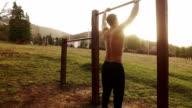 Man uit te oefenen in het park