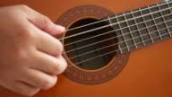 Man spelen gitaar