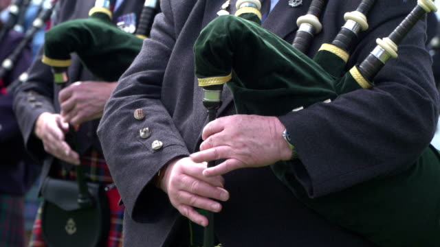 Man playing the Bagpipes (Scotland Piper)