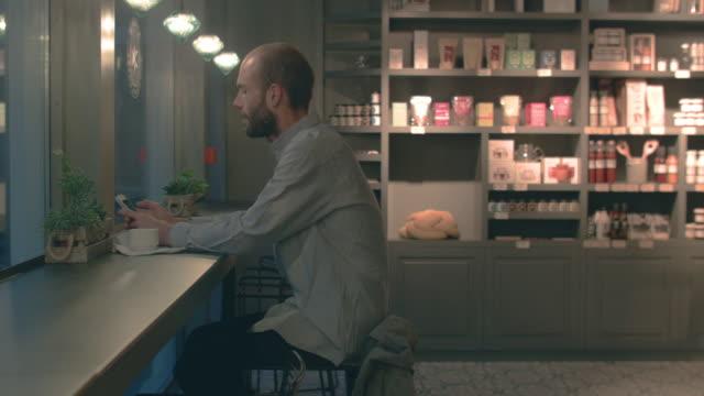 Man sitting in a coffeeshop