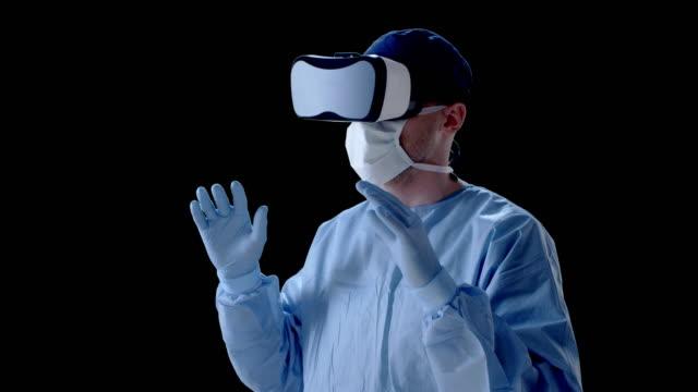 Mann mit virtual-Reality-Brille, die medizinische Forschung