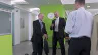 HD DOLLY: Manager die Einführung neuer Mitarbeiter