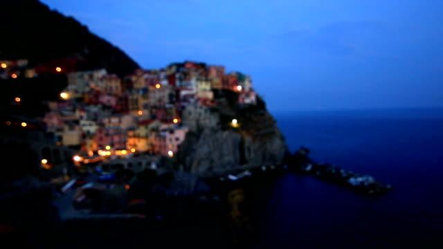Le village de manarola cinque terre litalie film vid o for Exterieur nuit film