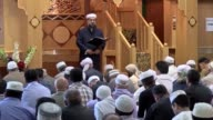 Manchester's central mosque opens its doors to visitors for congregational Friday prayer with the Imam saying he wants to instill solidarity and...