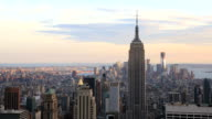 Skyline di Manhattan al tramonto, New York City, Stati Uniti
