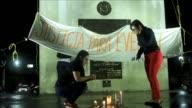 Manifestantes protestaron en El Salvador por una estudiante condenada a 30 anos de carcel acusada de homicidio por aborto tras quedar embarazada por...