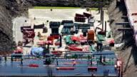 Viele Werften in Aktion auf Baustelle