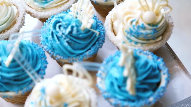 many sweet birthday cupcakes