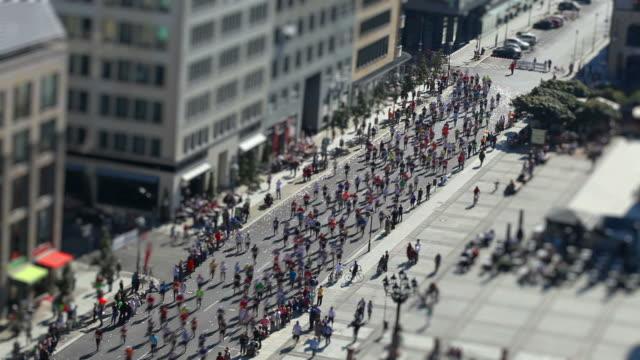 marathon laufen mit einem Tilt-Shift-Effekt