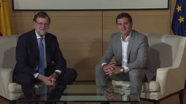 Mariano Rajoy sigue sin lograr alianzas para formar un nuevo gobierno tras reunirse el martes con los lideres de Ciudadanos y Podemos y no llegar a...