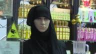 Marruecos prohibio la produccion y venta del burka con velo de cara completa esta semana