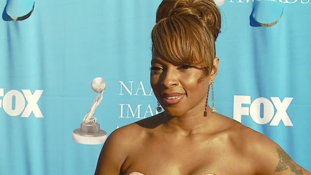 Mary J Blige at the 38th NAACP Image Awards at the Shrine Auditorium in Los Angeles California on March 2 2007