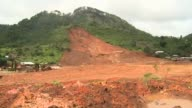 A massive mudslide burried the village of La Pintada in Mexico CLEAN A massive mudslide burried the Mexican on September 19 2013 in Guerrero Negro...