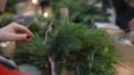 Master-classe a rendere corone di Natale e Natale