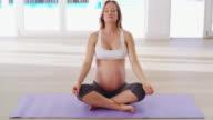 Mediteren op het nieuwe leven binnen haar...