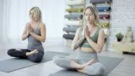 Mediterar tillsammans