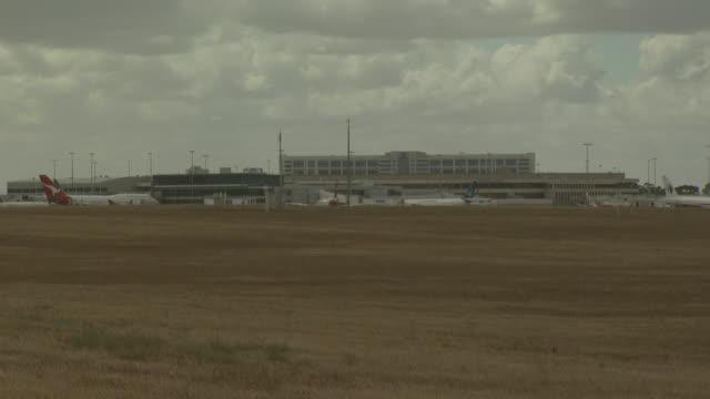 Melbourne Airport, dull haze, Australia