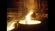 MS Melting metal in foundry / United States