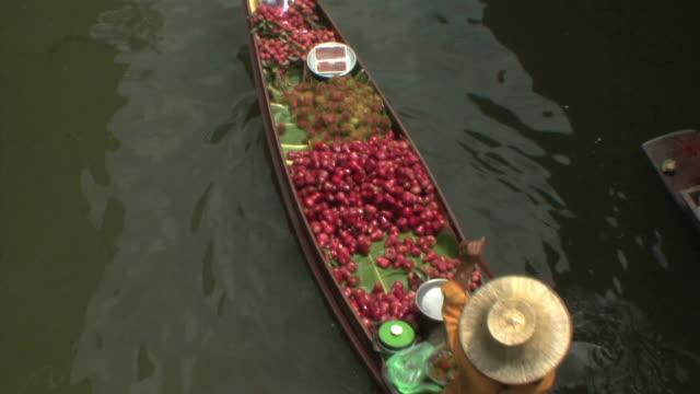 WS HA Merchant boat in Damnoen Saduak floating markets, Bangkok, Thailand