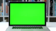 DOLLY: Message display on green screen chroma key