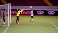 Mexico quema su ultimo cartucho contra Costa Rica para conseguir el repechaje que lo lleve al Mundial de Brasil 2014 cita a la que no falta desde...