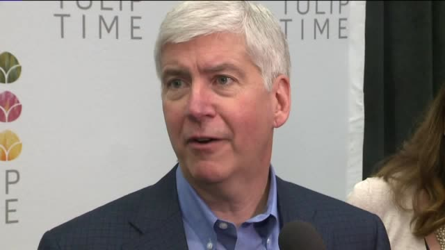WXMI Michigan Governor Rick Snyder Reacts to Obama's Visit to Flint Michigan on May 11 2016
