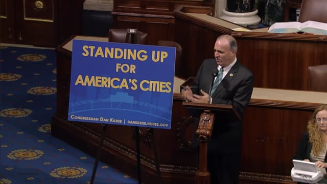 Michigan Rep Dan Kildee says Michigan officials did not use scientific methods to determine the suitability of a new source of water for flint...