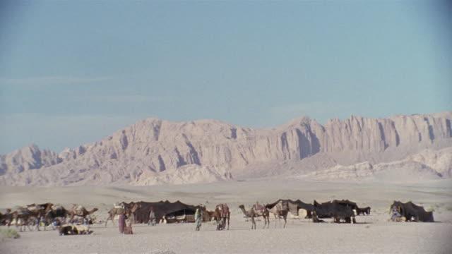 WS, TD, Middle East, Nomadic people desert camp