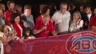 Mientras el expresidente Luiz Inacio Lula da Silva encabezaba un acto de calle en respaldo a su sucesora el abogado del gobierno brasileno denunciaba...