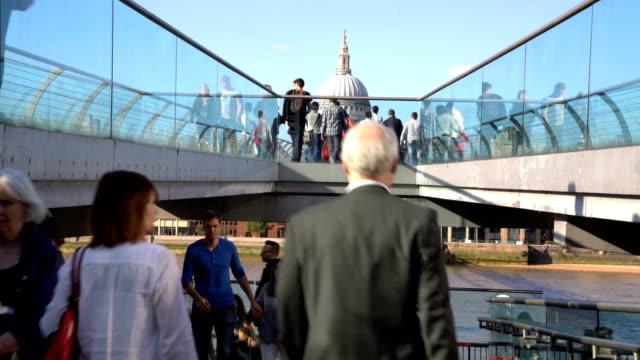 Milenium Bridge St Paul's London, UK