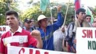 Miles de agricultores paraguayos participaron en la 24ª Gran Marcha del Campesinado en Asuncion el miercoles