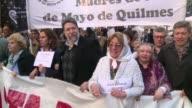 Miles de argentinos marcharon el lunes al cumplirse 11 anos de la segunda desaparicipon de Julio Lopez un testigo clave en los juicios por crimenes...