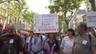 Miles de manifestantes desfilaron el sabado en Paris convocados por el movimiento de izquierda radical La Francia Insumisa liderado por JeanLuc...