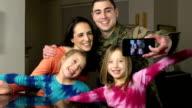 Militär Familie Selfie Foto braucht