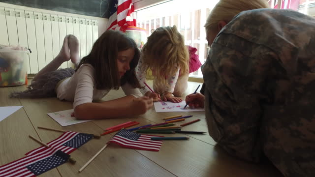 4K: Military Mom Coloring With Her Kids.