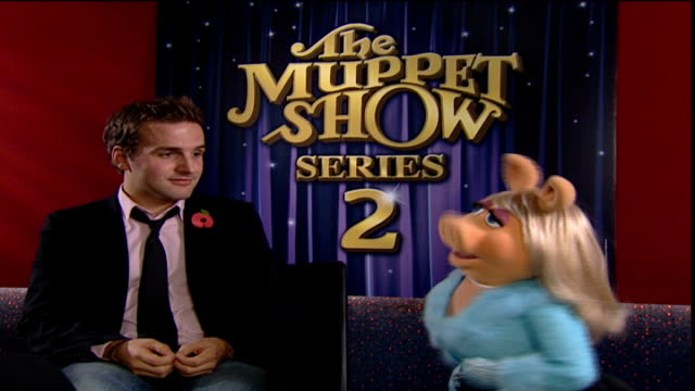 Miss Piggy interview INT Miss Piggy interview SOT talks of what to expect of Muppet Show 2